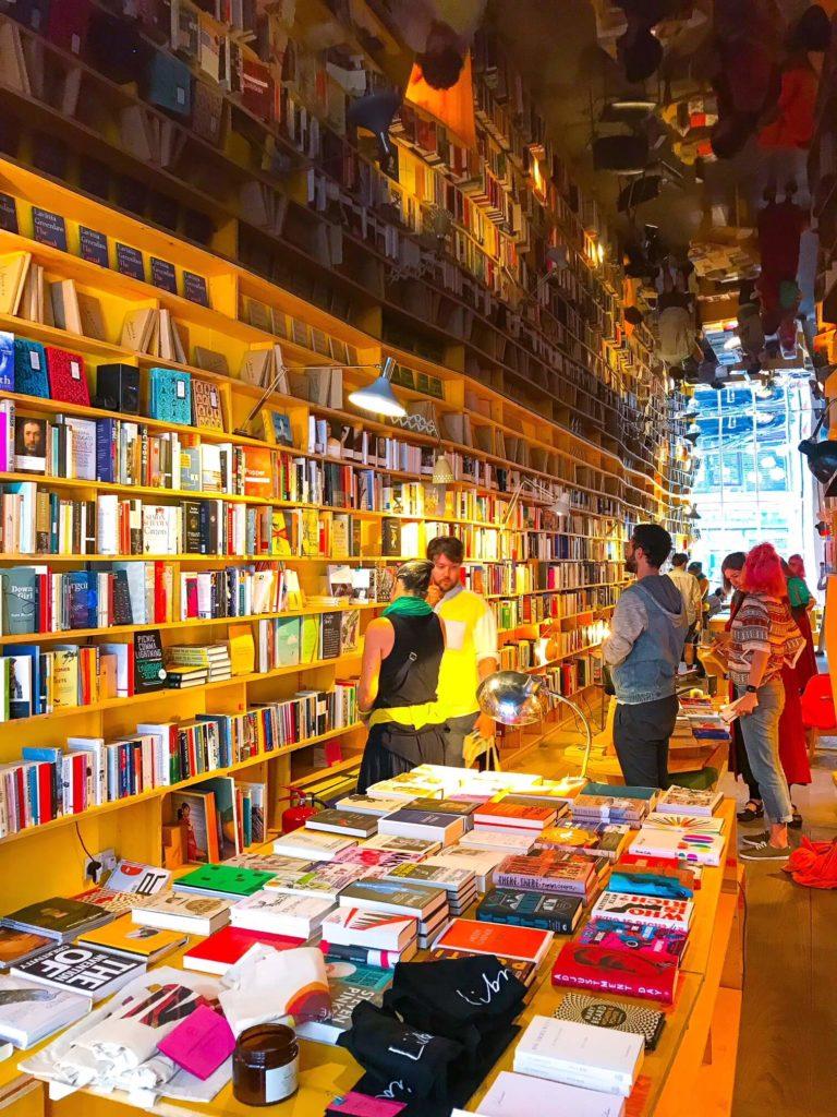 Children Bookshops in London - Liberia Bookshop