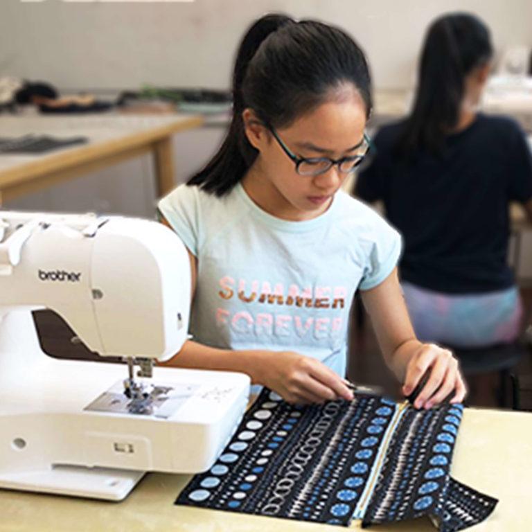 FashionMakerSpace - Child Sewing Machine