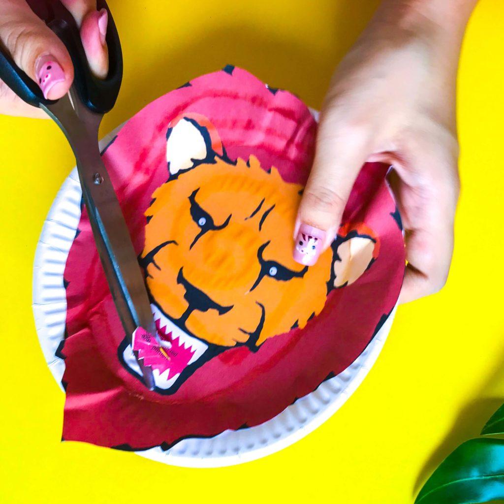 The Lion King DIY Craft - Cutting