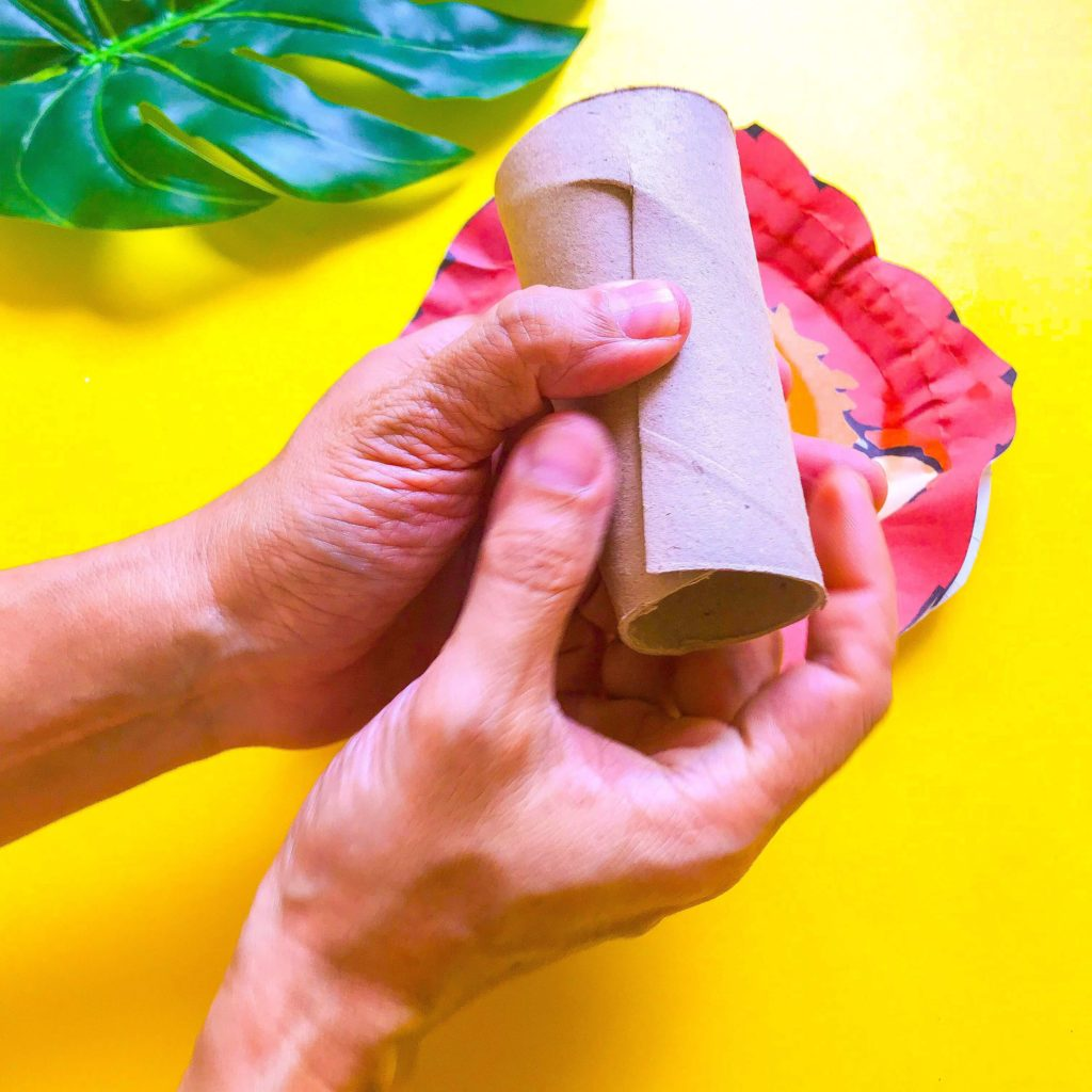 The Lion King DIY Craft - Folding Toilet Roll