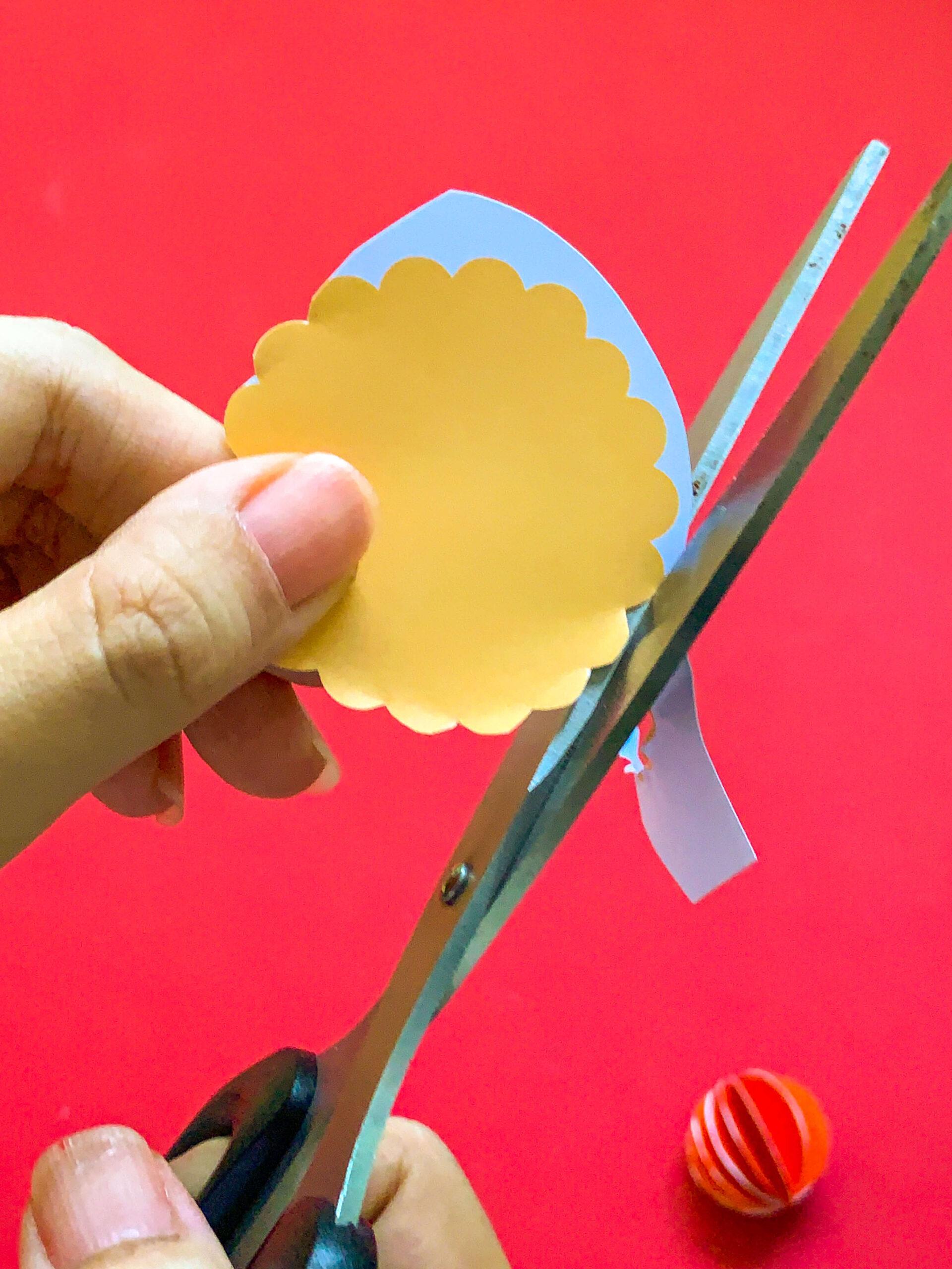 Pineapple Tart CNY DIY Craft - Cutting Paper Tart Base